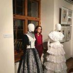 Tuulikki Tolli kostüümide ja -kavandite näitus Tallinna Linnateatris